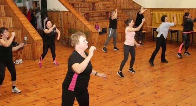 Zajęcia muzyczno-ruchowe z elementami zumby dla dorosłych