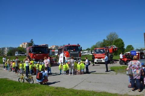 Pokazy strażackie z Okazji Dnia Strażaka 4 maja.