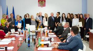Stypendia Wójta Gminy Niemce dla uczniów szkół ponadgimnazjalnych wręczone.