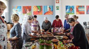 Dzień kobiet oraz warsztaty kulinarne w Stowarzyszeniu z Krasienina