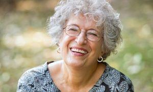 Uśmiechnięta Seniorka