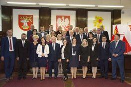 Zdjęcie przedstawia Radnych Rady Powiatu Lubelskiego