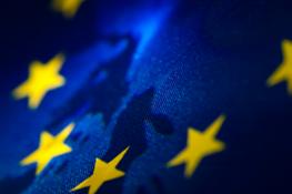 Rozmyte Gwiazdki Unii europejskiej we fladze