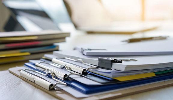 Dokumenty na biurku