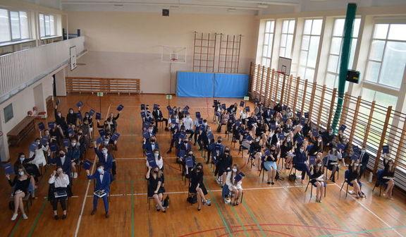 Zdjęcie z zakończenia roku szkolnego