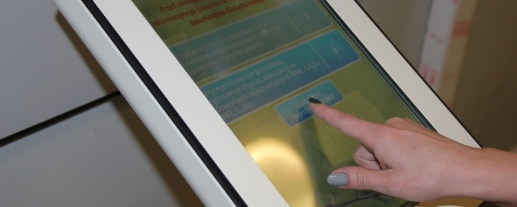 Automat kolejkowy w Wydziale Komunikacji i Dróg