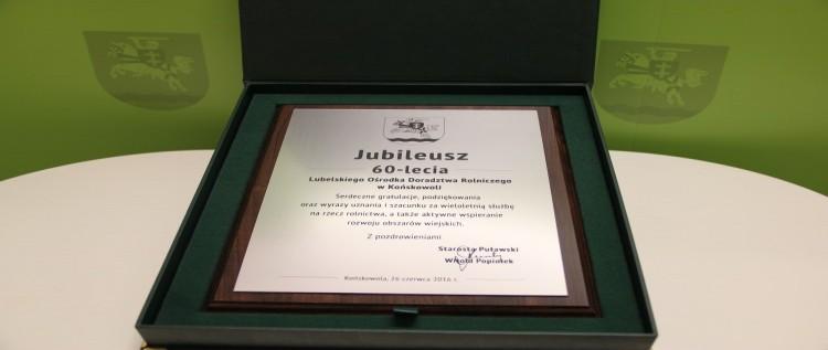 Gratulacje od Starosty Puławskiego z okazji Jubileuszu 60-lecia LODR w Końskowoli