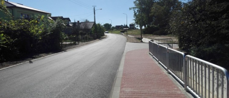 Odbiór techniczny drogi nr 2515 L (ul. Czołnowska) w Baranowie, Uregulowanie gospodarki wodno - ściekowej w rejonie skrzyżowania  ul. Czołnowskiej w ciągu drogi powiatowej Nr 2515 L w m. Baranów