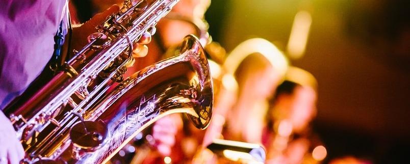 Gra na saksofonie