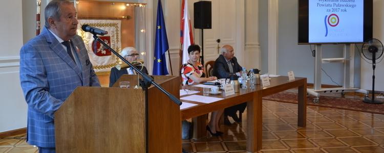 Absolutorium za 2017 rok dla Zarządu Powiatu Puławskiego