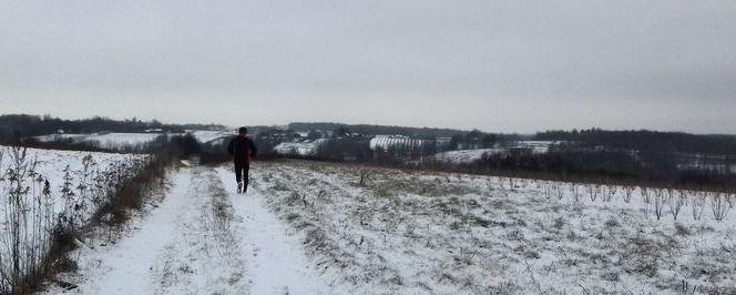 Bieg, teren, śnieg, biało