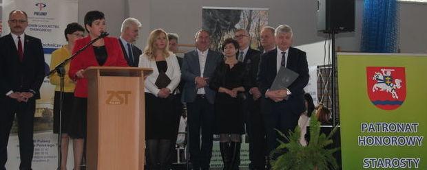 Otwarcie Targów Pracy i Edukacji, przemawia starosta Danuta Smaga