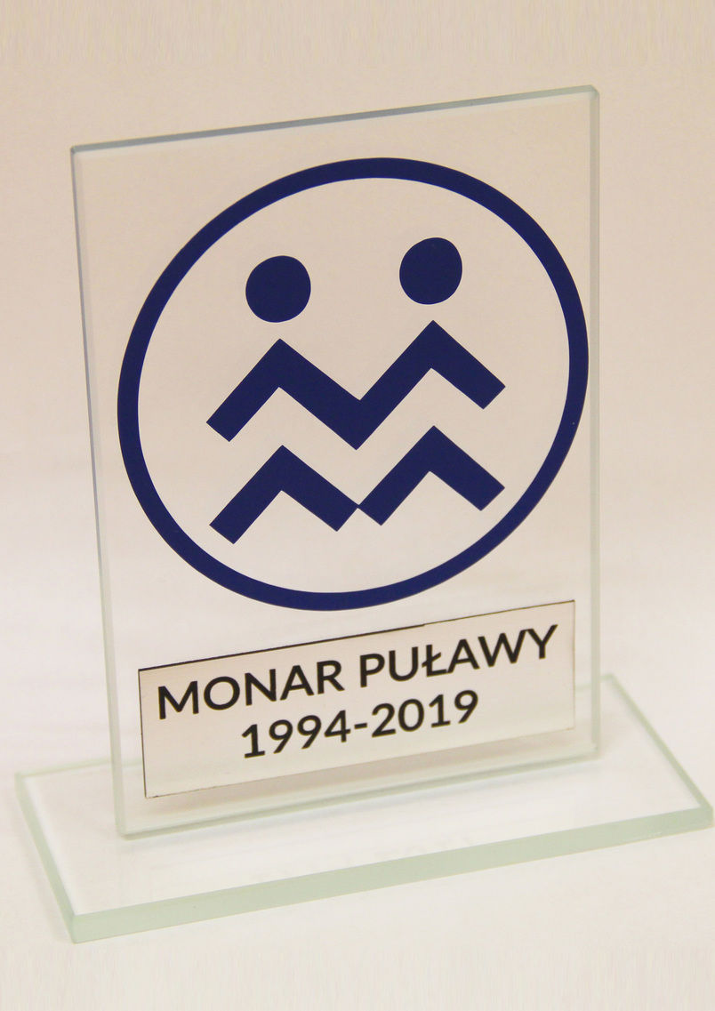 """Statuetka - podziękowanie od puławskiej poradni """"MONAR"""""""