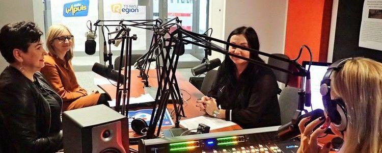Starosta na nagraniu radiowym z przewodniczącą rady miasta i przedstawicielką Grupy Azoty