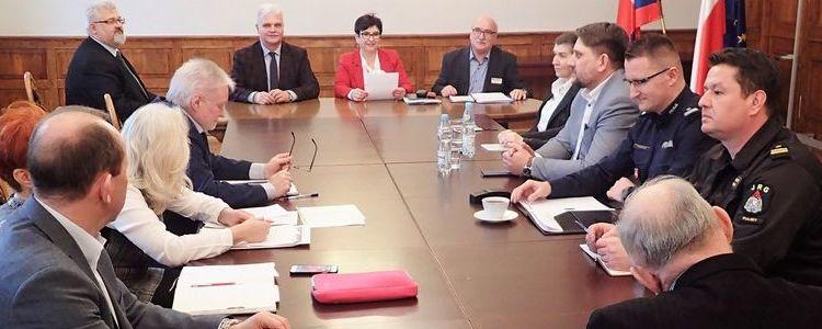 Posiedzenie Powiatowego Zespołu Zarządzania Kryzysowego.