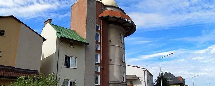 Budynek obserwatorium astronomicznego w Puławach
