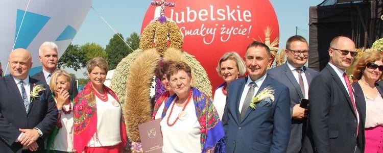 Delegacja z powiatu puławskiego z marszałkiem województwa lubelskiego i posłem na sejm RP