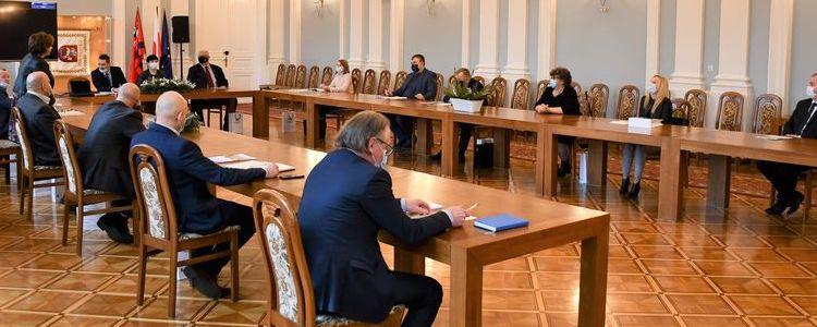 Pierwsze posiedzenie Powiatowej Rady Rynku Pracy w nowej kadencji 2020 - 2024.