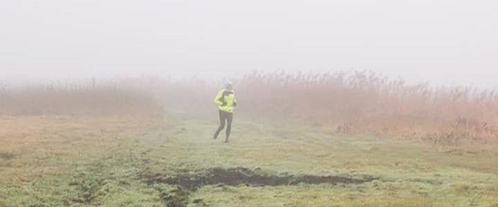 Biegacz we mgle