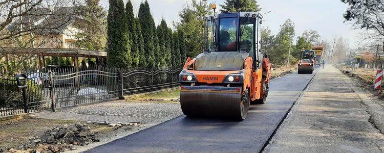 Prace remontowe na drodze powiatowej nr 2525L w Brześcach.