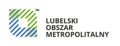 Logo Lubelskiego Obszaru Metropolitalnego. Niebiesko zielony zaokrąglony kształt odwróconego rombu i napis wielkimi literami Lubelski Obszar Metropolitalny
