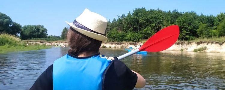 Kajakarka na rzece