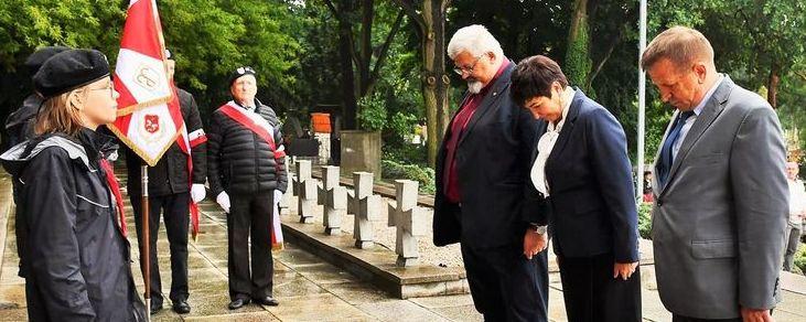 82. rocznica wybuchu II wojny światowej - hołd oddaje zarząd powiatu puławskiego