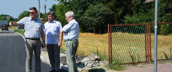 Kolejna przebudowa dróg powiatowych na terenie miasta Dęblin i gminy Ryki