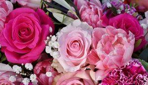 Bukiet różowych kwiatów