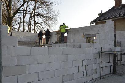Ruszyła rozbudowa świetlicy wiejskiej w Łażanach