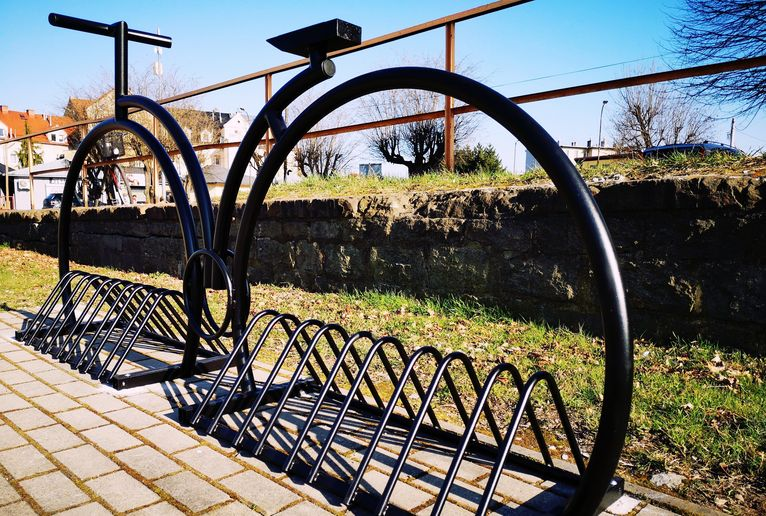 Nowe stojaki na rowery w mieście