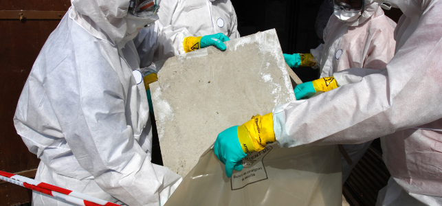 Osoby odbierające azbest