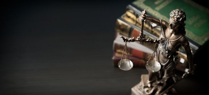 Potrzebujesz pomocy prawnika?  Nie radzisz sobie z zadłużeniem? Nie możesz porozumieć się z sąsiadem?
