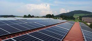 Informacja dotycząca montażu kolektorów słonecznych i ogniw fotowoltaicznych.