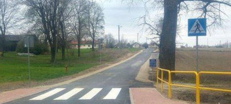Grafika przedstawiająca drogę i chodnik