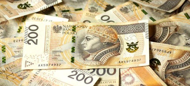 banknoty o nominale 200zł, grafika ogólna