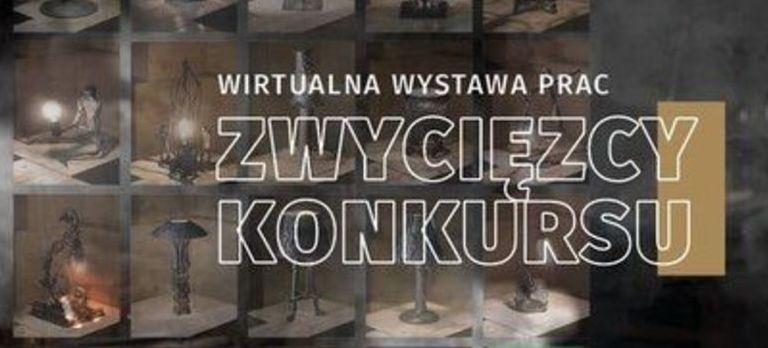 """Napis: """"wirtualna wystawa prac  zwycięzcy konkursu """" na tle lampek"""