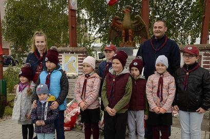 Dzieci i dorośli podczas Święta 3 maja