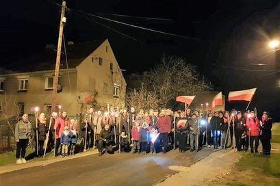 Ludzie z flagami na ulicy