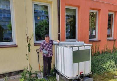 Szkoły też oszczędzają wodę. Zainstalowaliśmy zbiorniki na wodę deszczową w szkołach