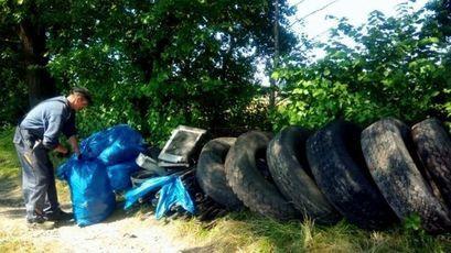 Akcja sprzątania wsi z Panem Waldkiem