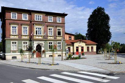 Budynek Urzędu Miejskiego w Żarowie