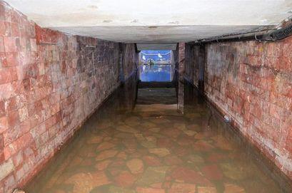 Zalane przejście podziemne w Żarowie