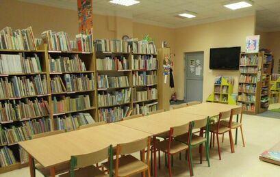 Wnętrze biblioteki Żarów