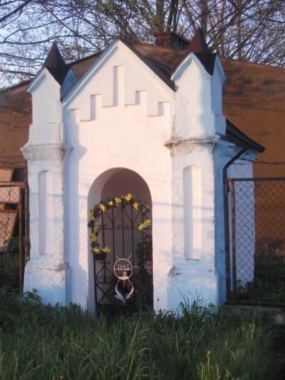 Kapliczka przy ul. Sandomierskiej (ul. Radomskiej)