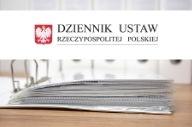 Logo Dziennik ustaw na białym tle. Pod tłem zdjęcie.