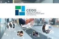 Logo CEIDG na białym tle. Pod tłem zdjęcie.