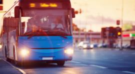 Autobus na ulicy