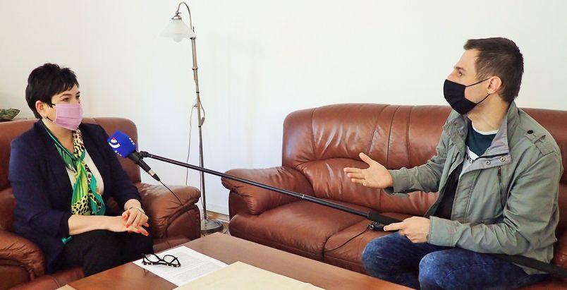 Starosta udziela wywiadu radiowego