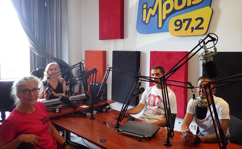 Maryla Miłek, Grzegorz Weremko, Monika Zawadzka_Rozdoba i redaktor Joanna Czajkowska w studiu nagrań Radia Impuls